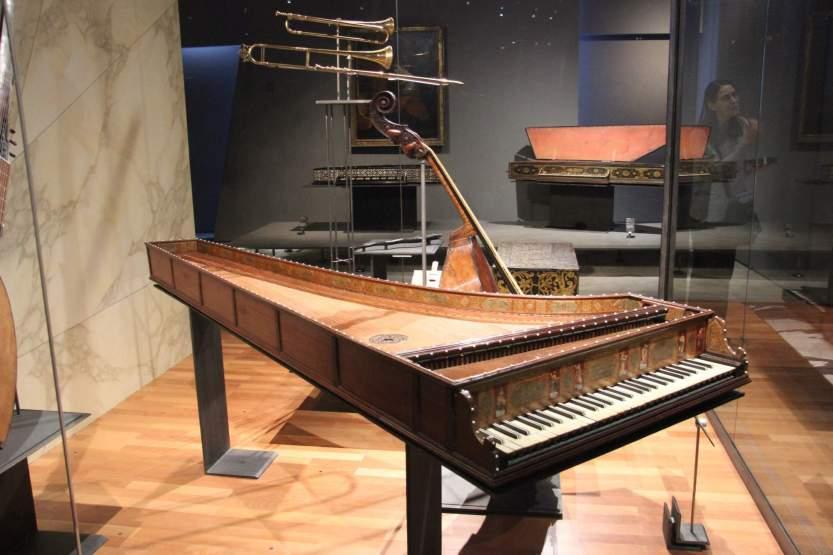 klavír.jpg